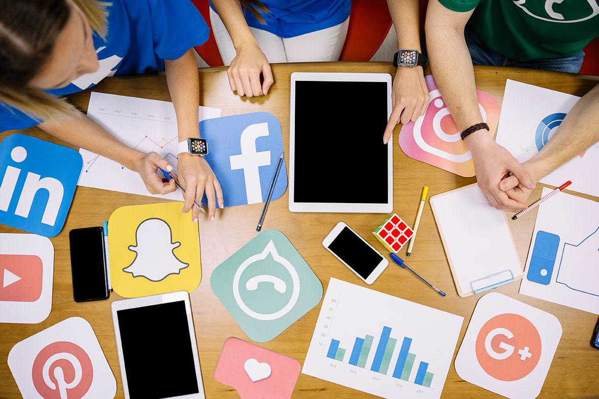 CommunicationTime - Social si, ma con cautela. E affidandosi a professionisti